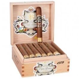Don Pepin Garcia Cuban Classic Black Robusto 1979 - cigar